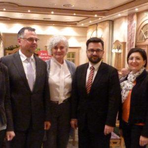 Von links: stv. Vors. Jutta Hecken-Defeld, stv. Vors. und Landtagskandidat  Wolfgang Langenohl, Petra Crone (MdB), Justizminister Thomas Kutschaty (MdL) und Bundestagskandidatin Nezahat Baradari