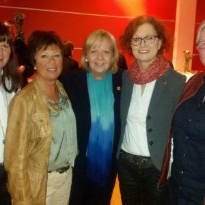 Von links: Heike Pfeifer, Mitglied SPD-Kreisverband, Sibille Niklas, SPD-Ratsfrau Wenden, unsere Ministerpräsidentin, Jutta Hecken-Defeld, SPD-Kreisverband und Vorsitzende SPD Wenden, Hildegund Hennrichs, SPD-Kreistagsfraktion Olpe